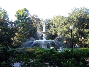800px-Forsyth_park_fountain